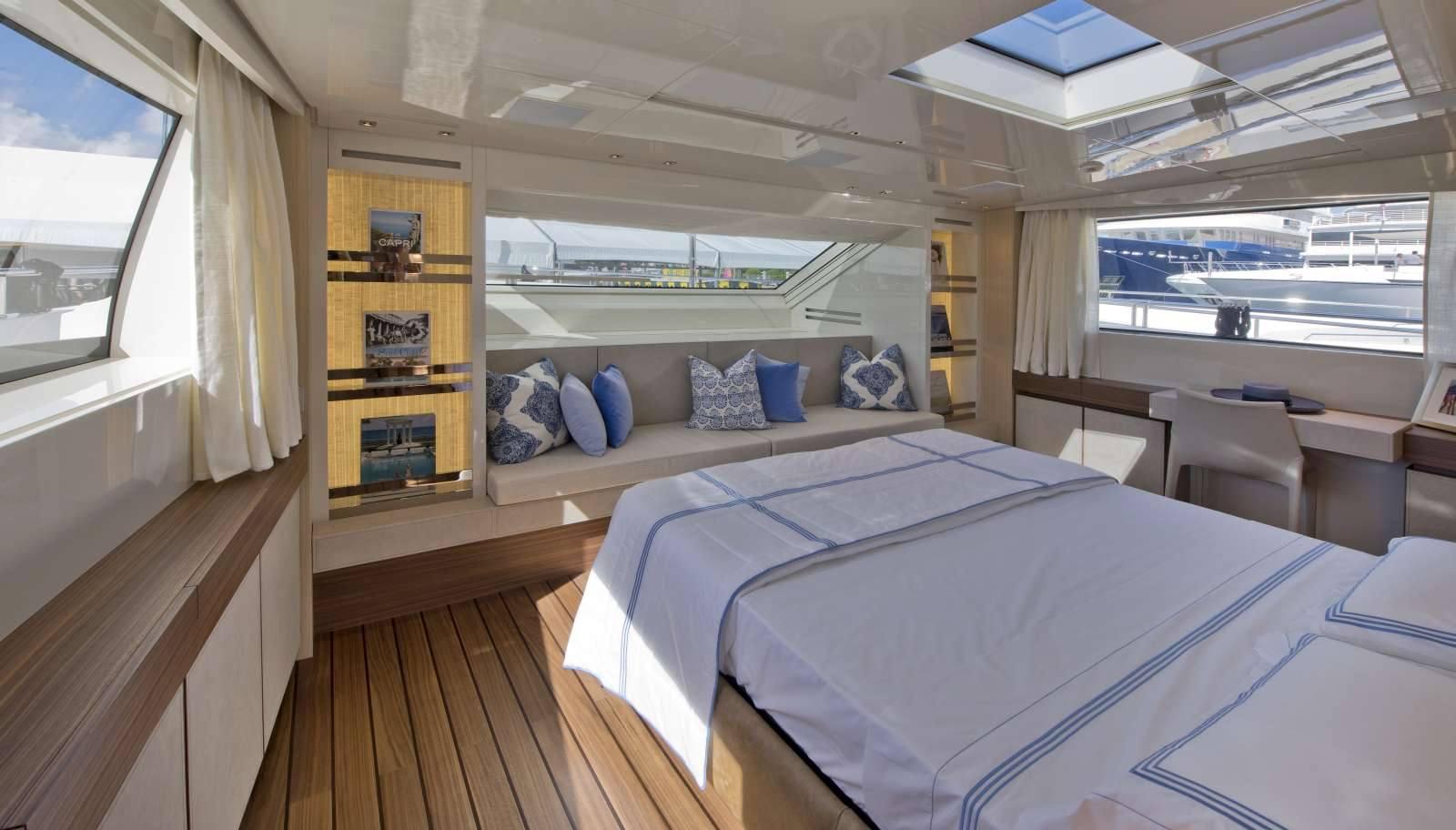 ... su misura per yachts  La Permanente Mobili Cantù - Yachts